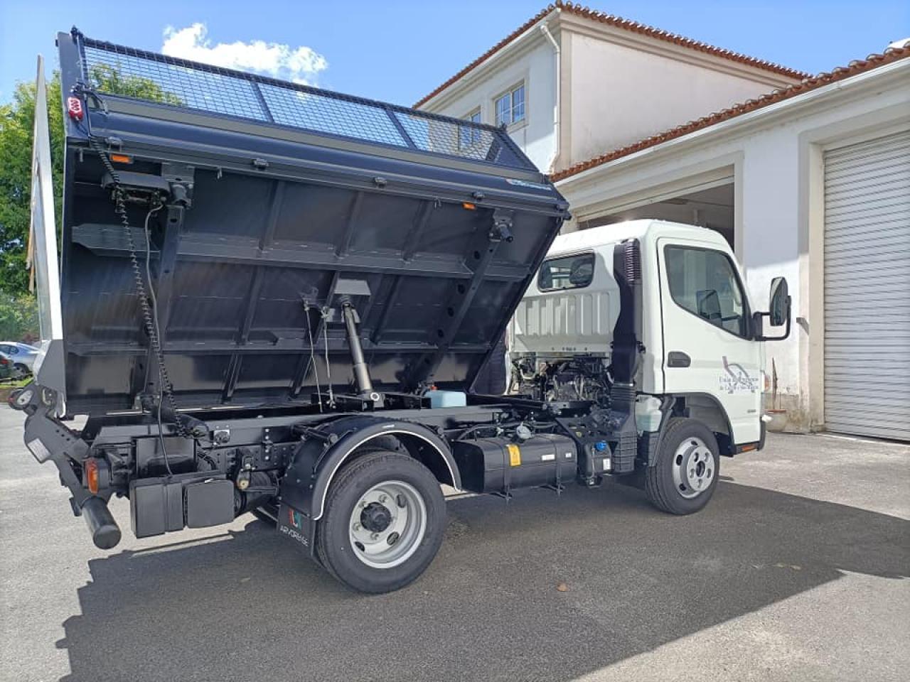 Nova viatura no apoio à recolha de resíduos urbanos na freguesia.