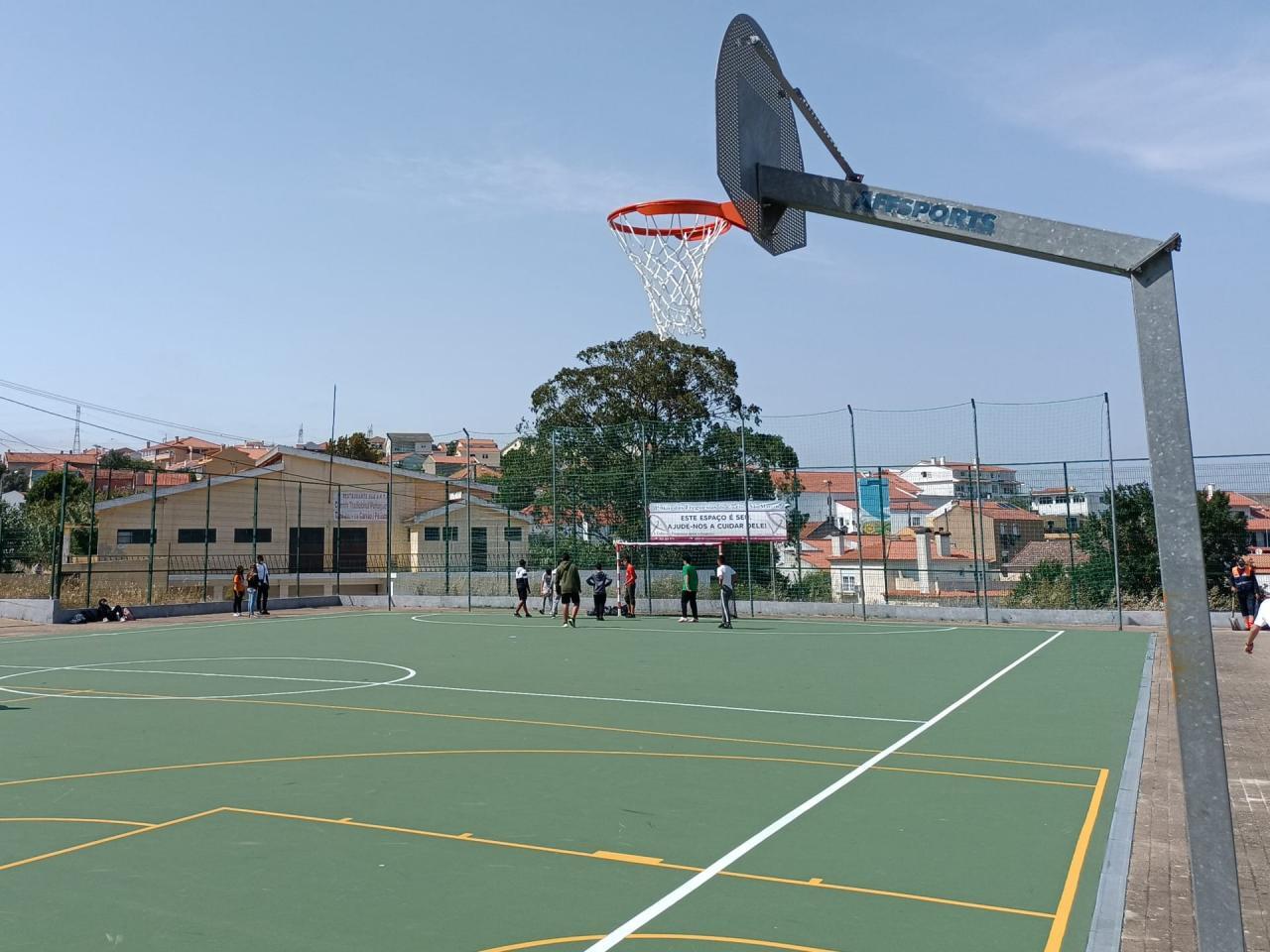 Equipamento Desportivo - Campo de Basquetebol